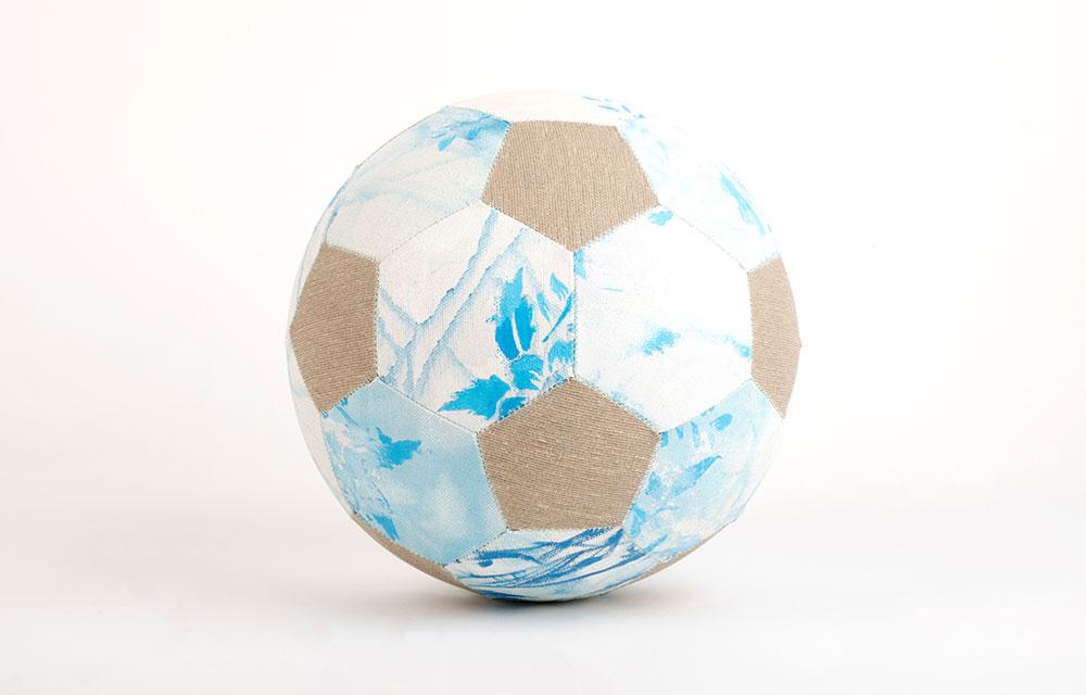 כדורגל, 2018 |  קנבס משומש קוטר 22 ס״מ