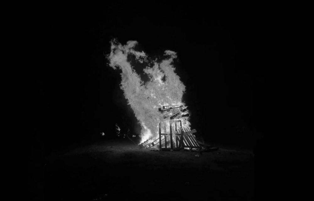 אבי צרפתי, אש אש מדורה | וידיאו, 2 ש', 2020